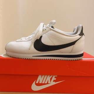 轉售 Nike classic Cortez Leather 白底黑勾 阿甘鞋  女鞋23號