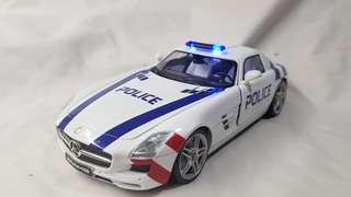 1:18 diecast Mercedes-Benz SLS AMG in Police livery
