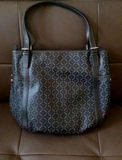 Satchi handbag shoulder bag沙馳上膊手袋新new