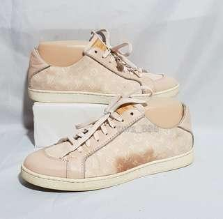 Authentic LOUIS VUITTON Sneakers Size 37
