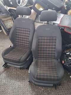 Seat Volkswagen GOLF MK5 depan belakang