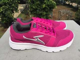 Sepatu Olahraga buat GYM dan RUNNING