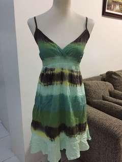 Green spaghetti dress