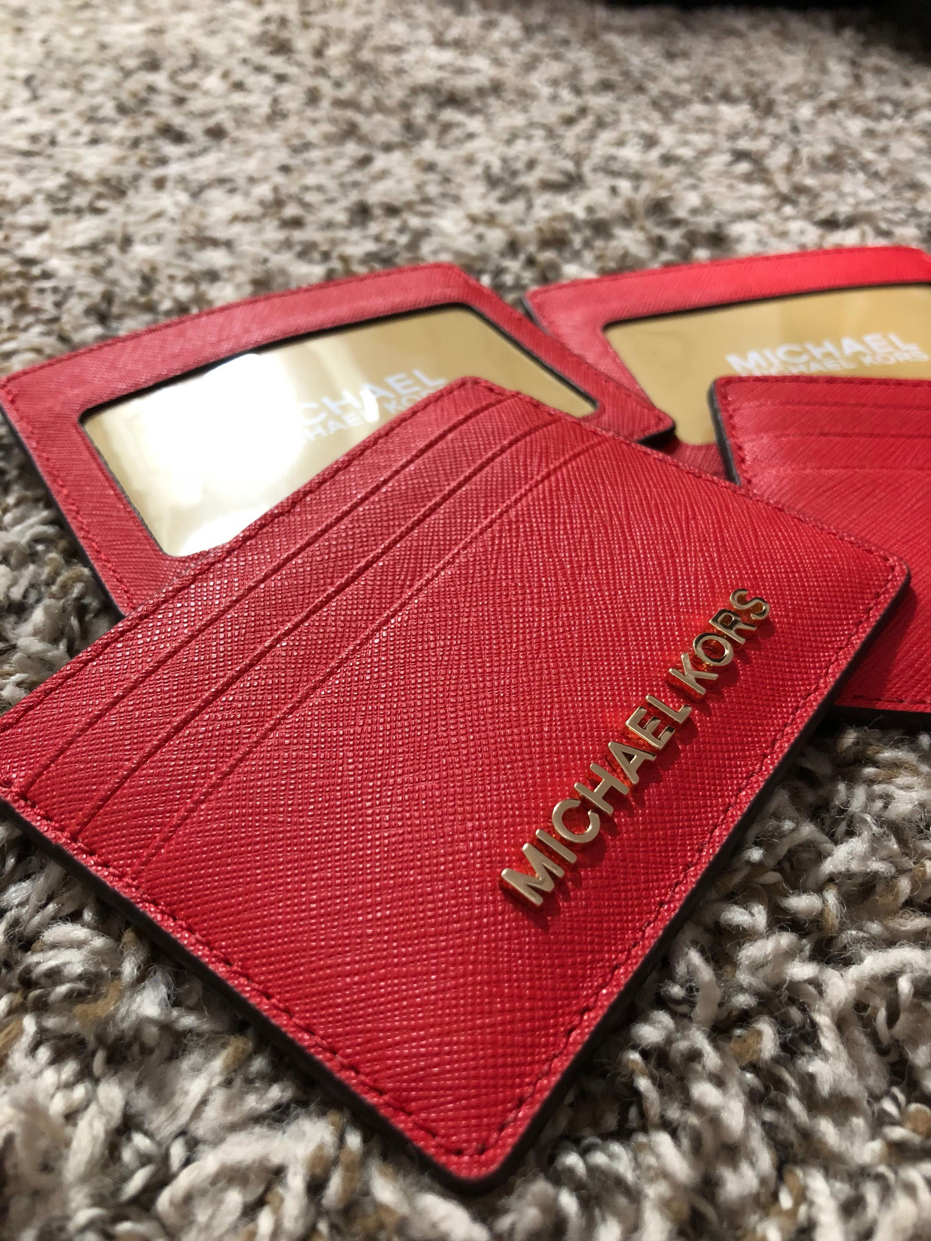8a95e60087ab BN Authentic Michael Kors Card Holder, Luxury, Bags & Wallets ...