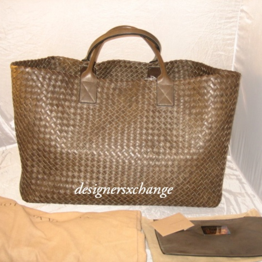 a6f4b3ea62f5 Bottega Veneta Brown (Expresso) Cabat GM (Extra Large) Intrecciato ...