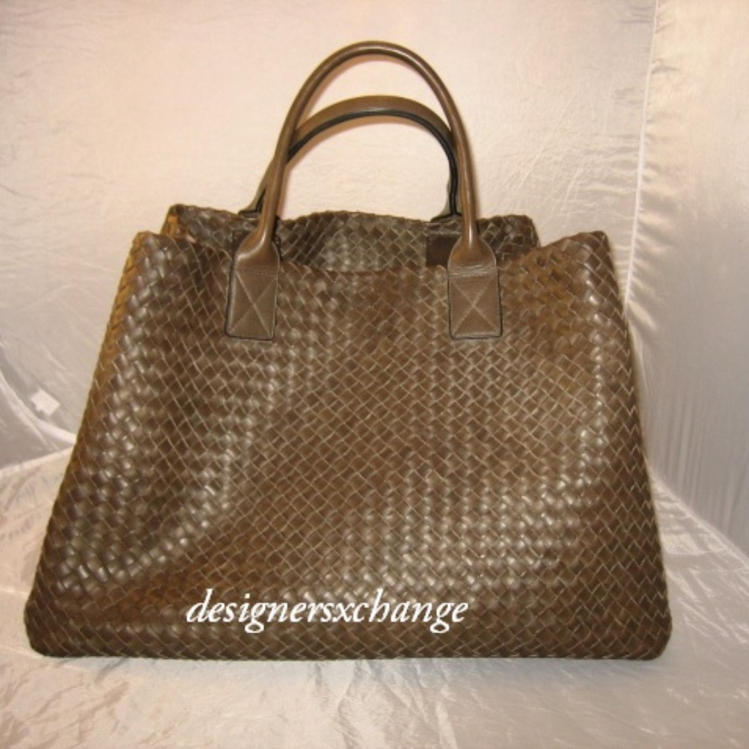 Bottega Veneta Brown (Expresso) Cabat GM (Extra Large) Intrecciato Calf  Leather Tote Bag (Limited Edition 062 100 pieces) with Accessory Pouch 2d18900f31986
