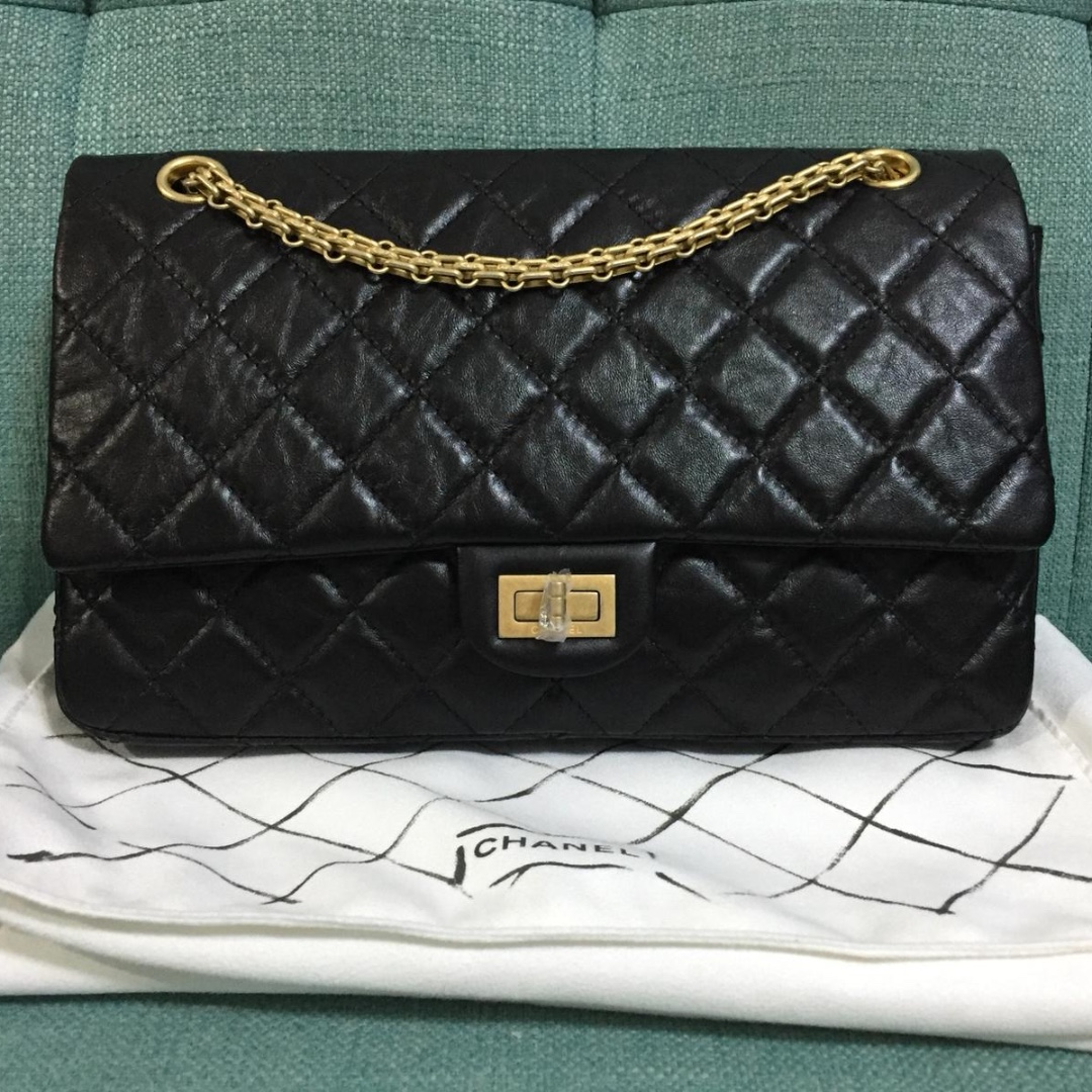 9d59ec31570a Chanel BNIB 2.55 Reissue Black with GHW Medium Size 226, Luxury ...