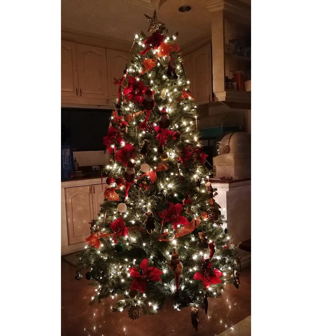 Christmas Xmas Tree 6ft Built In Lights Complete Decors On Carousell