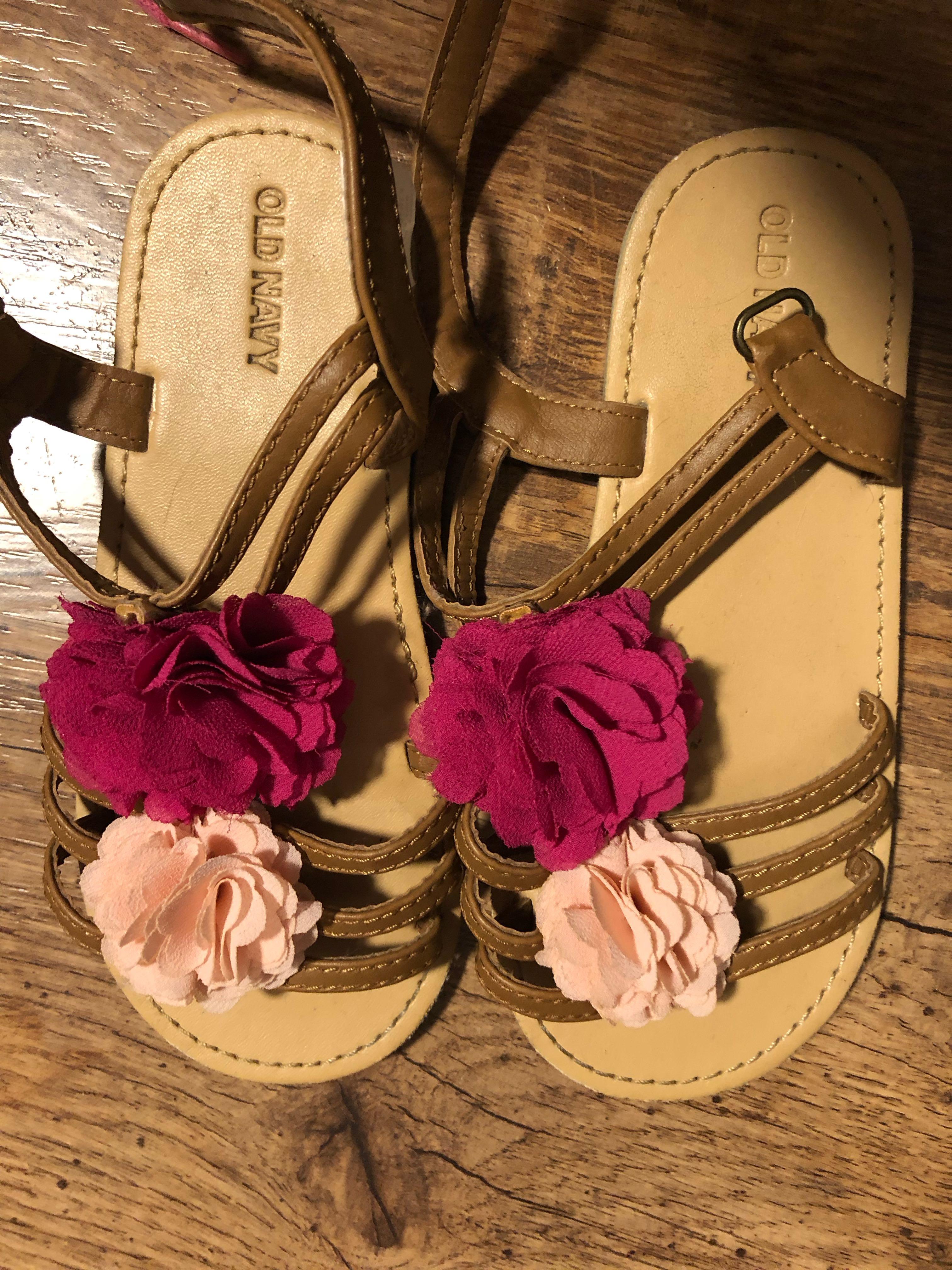 a98402d3fba17 Old navy flower sandals