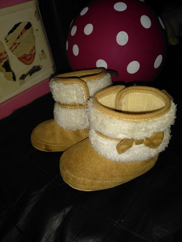 Sepatu boots bayi 6-12 bulan