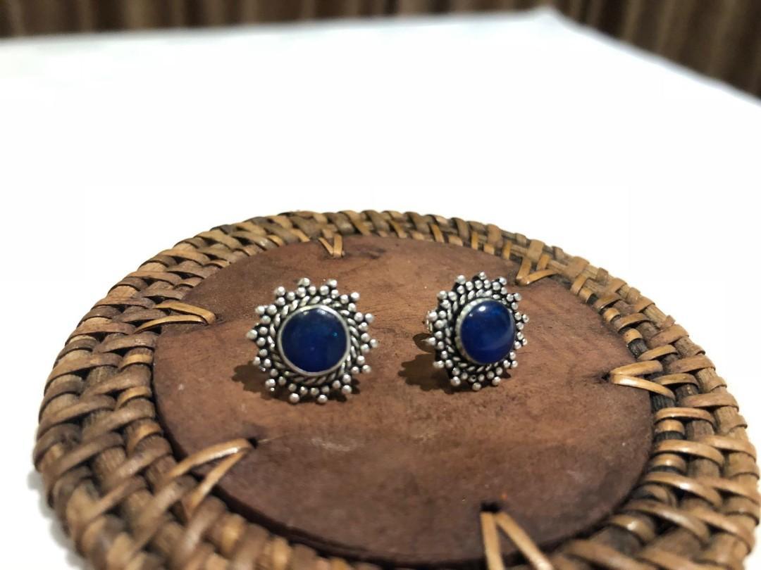 Vintage ear stud (blue)