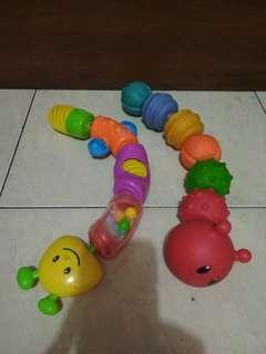 Mainan bayi bentuk ulat