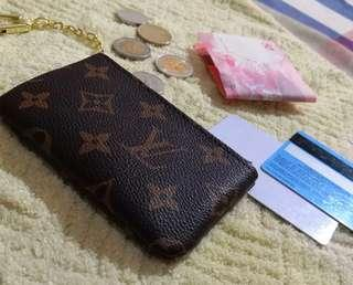 Louis Vuitton key pouch in monogram (LV) Authentic quality