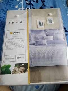 Sale D* Akemi King size bedding **Bran New