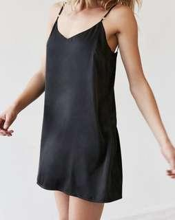 URBAN OUTFITTERS - Silence + Noise Black Satin Slip Dress