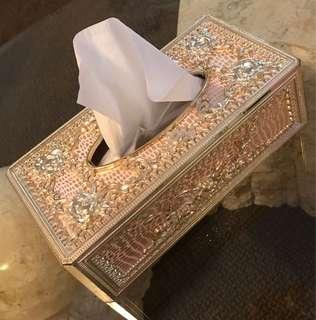 Tissue box holder