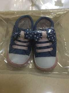 Baby Shoes 3-6m 包平郵
