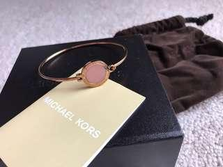 Michael Kors Authentic bangle rose gold plated