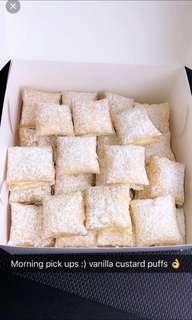 Vanilla custard puffs