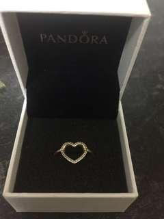 Pandora 14 ct heart ring