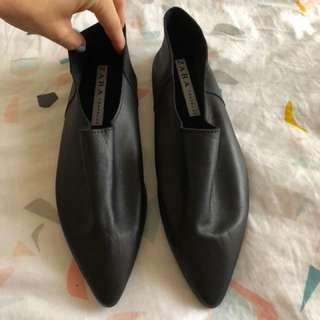 Black flat pixie shoes - worn once