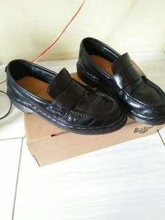 Dr martens , MIE verry good condition size 9/43