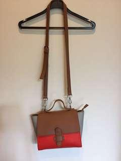 Minimalist Crossbody Bag with removable strap