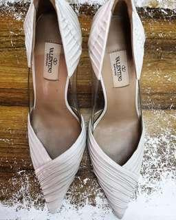 VALENTINO GARAVANI B-drape leather point toe pumps, Ivory