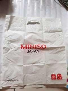 Kantong Plastik Miniso