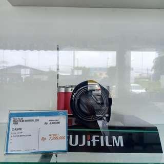 FUJI FILM MIRRORLES X-A3