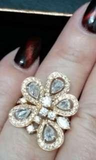 MADIA Rose Gold ring