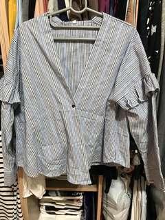 🚚 荷葉邊造型直條紋襯衫