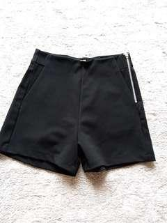 Good quality shorts size M
