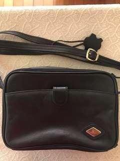 Manel's Black Bag with long strap