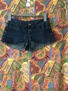 Garage Size 10 Shorts