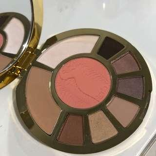 Tarte showstopper clay eyeshadow and contour palette