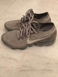 Nike Air Vapormax Flyknit Women's US 6.5