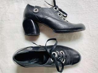 London fashion heel shoe
