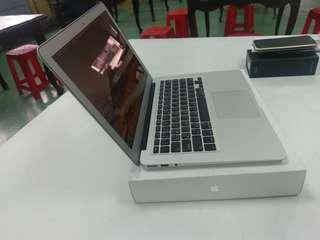 Macbook Air mid 2013 A1466