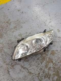 08 Altis left head light