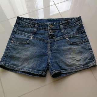 Highwaist Denim Shorts 26-27