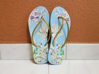 Baby Blue Floral Slippers US4/4.5
