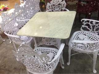 Garden Set Square Table