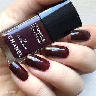 Chanel 18 Rouge Noir Nail Polish