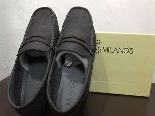 Milanos Gray Loafers