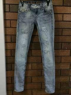 Rock Revival Sz 25 (6) skinny leg jeans