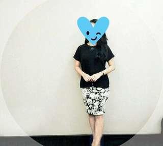 Flowery Bodycon Black White Skirt / Rok Bodycon / Rok Span / Rok Kerja / Baju Kerja