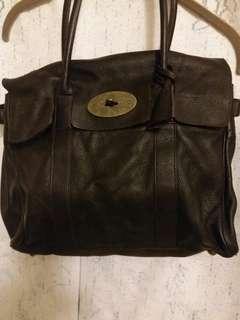"Genuine leather briefcase.  13"" w x 10"" h.  深啡色, 可上膊。  可方A4 size文件。"