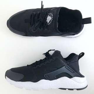 Nike Women Air Huarache Ultra Shoes - size 7.5 US