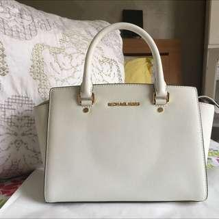 BNWT Authentic Michael Kors Selma